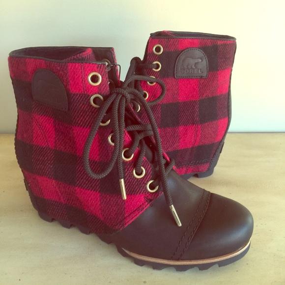 994a7b767fa0 SOREL Buffalo Plaid Lumberjack Wedge Ankle Boots. M 5b40f30f5c44528e8aea71c2